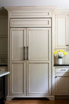 love the cabinet finish