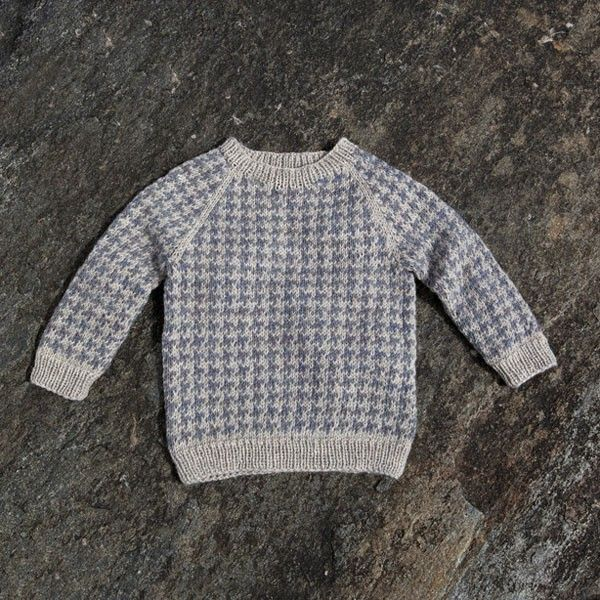 Lasse sweater by Susie Haumann from the book Warm Knit for Cool Kids. 2-8 years