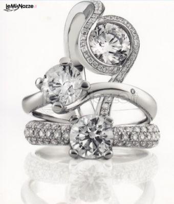 http://www.lemienozze.it/operatori-matrimonio/gioielli/esposito-gioielli/media/foto/16 Solitari in oro bianco e pietre per la sposa.