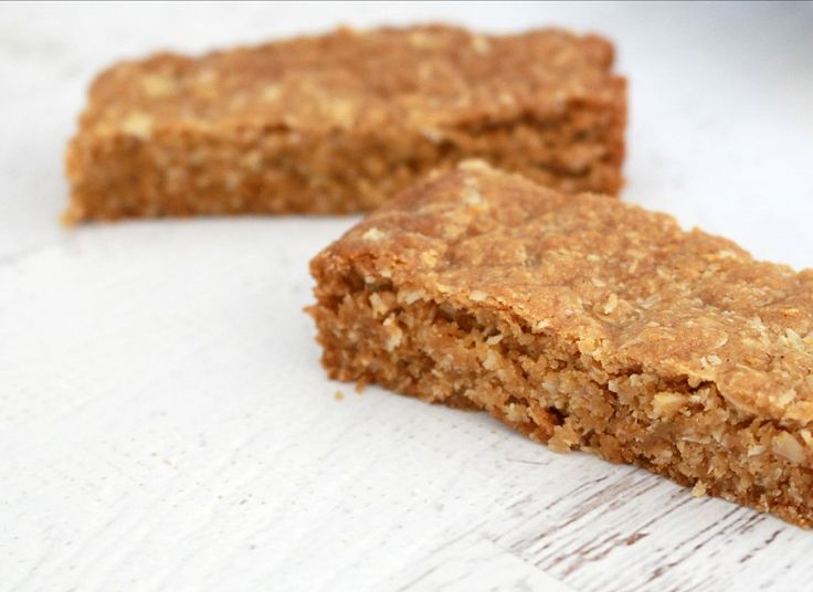 Move over ANZAC biscuits... this ANZAC Slice is the BEST!! | Bake Play Smile