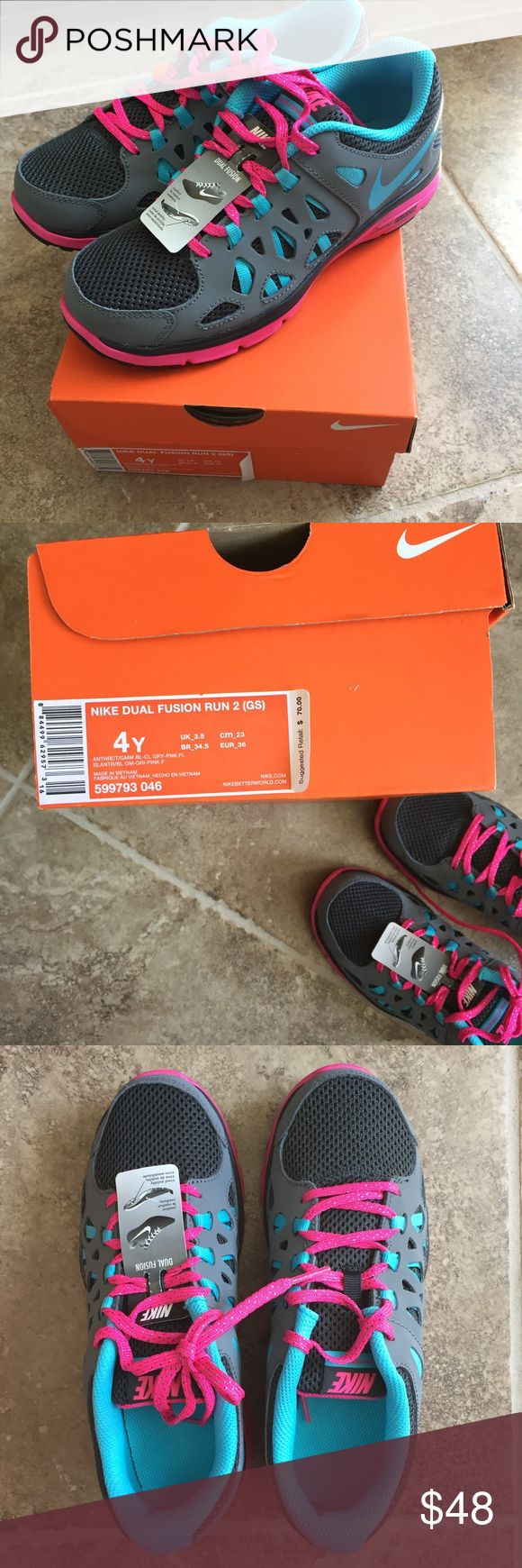 Girl's Nike Dual Fusion Run 2 Brand new girls shoes just in time for back to school! Never been worn! The Dual Fusion makes these really comfortable and for all day wear! Nike Shoes Sneakers