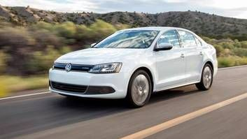 VW hoping $2,000 incentive will stem defections - http://blog.clairepeetz.com/vw-hoping-2000-incentive-will-stem-defections/
