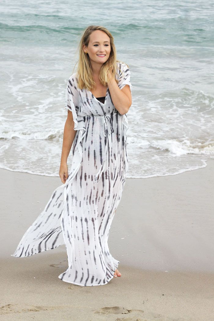 Looking carefree in our crinkle chiffon maxi cover-up | Source: http://thestyleeditrix.com/beach-days/