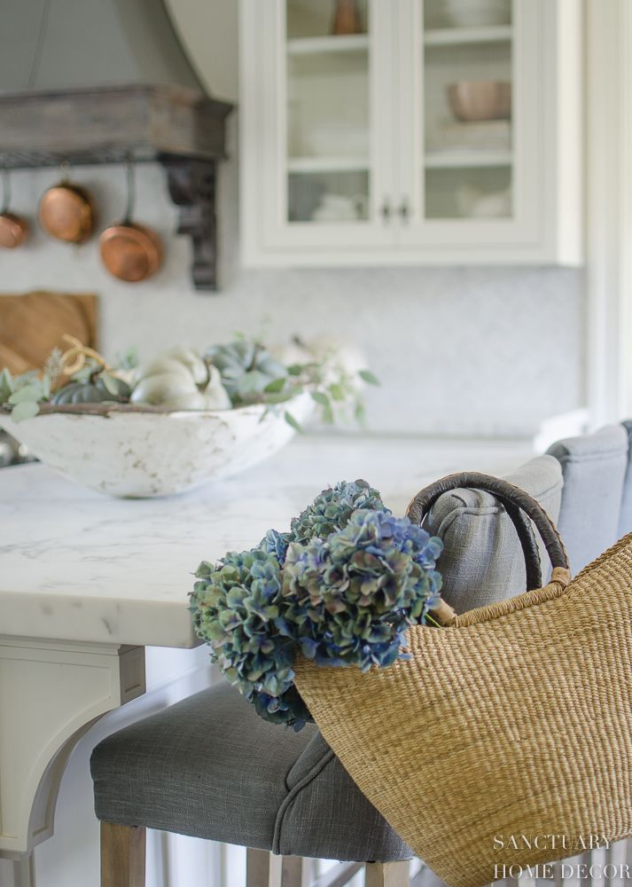 4 essential elements for easy fall decorating | kitchen inspo