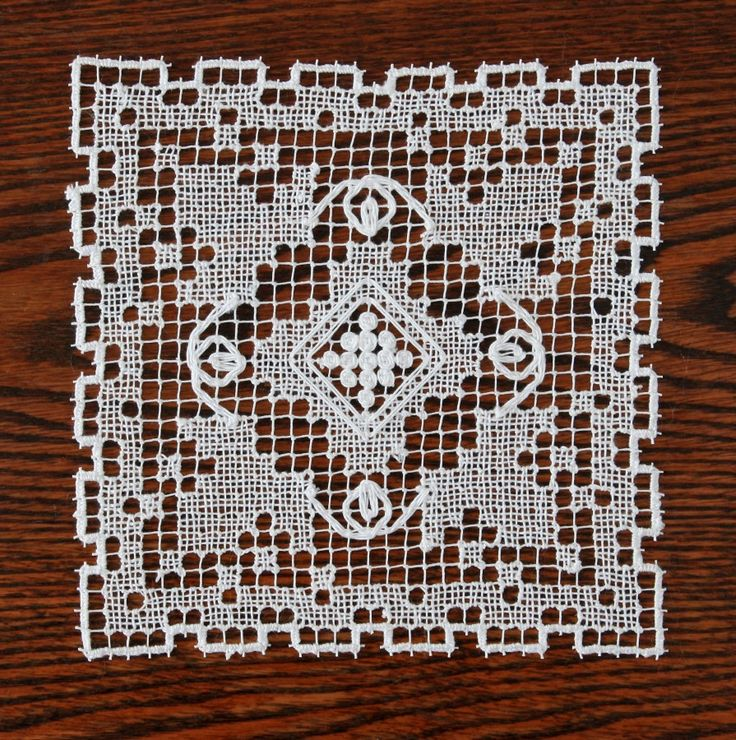 "Rececsipke ""szőlős kisterítő"". (Cross stitch. Filet lace.)"