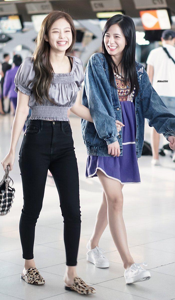 i love jennie's airport fashion so much 171127 #BlackPink #Jisoo #Jennie at Suvarnabhumi Airport #Bangkok #Thailand