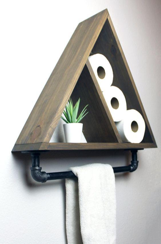 Dreieck Badezimmer Regal mit industriellen Bauernhaus