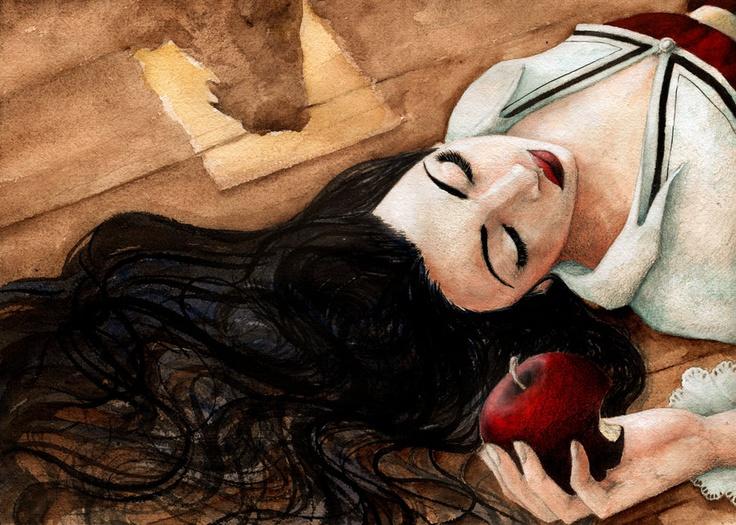 Snow White by llewllaw.deviantart.com