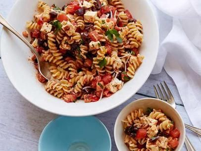 Tomato Feta Pasta Salad  /// the best pasta salad i've ever had. The capers and sun dried tomatoes make this dish!