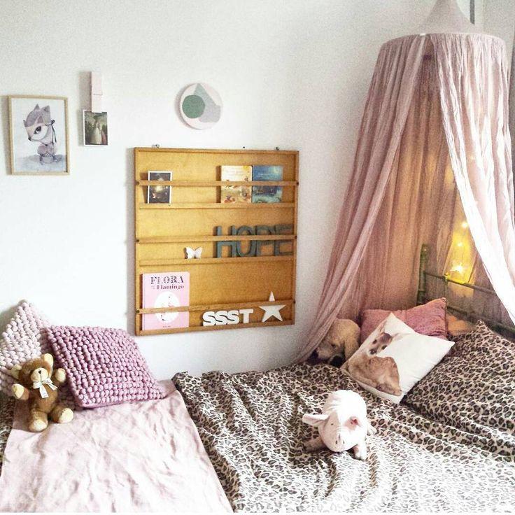 «{Sara's Room} Happy place! Dank je wel Margriet @lidorworld we zijn allebei over the moon met de prachtige klamboe en slingers van @numero74_official  Het…»