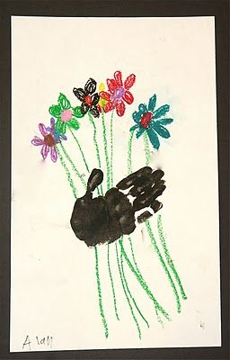 Cute handprint flower bouquet craft for Mother's Day