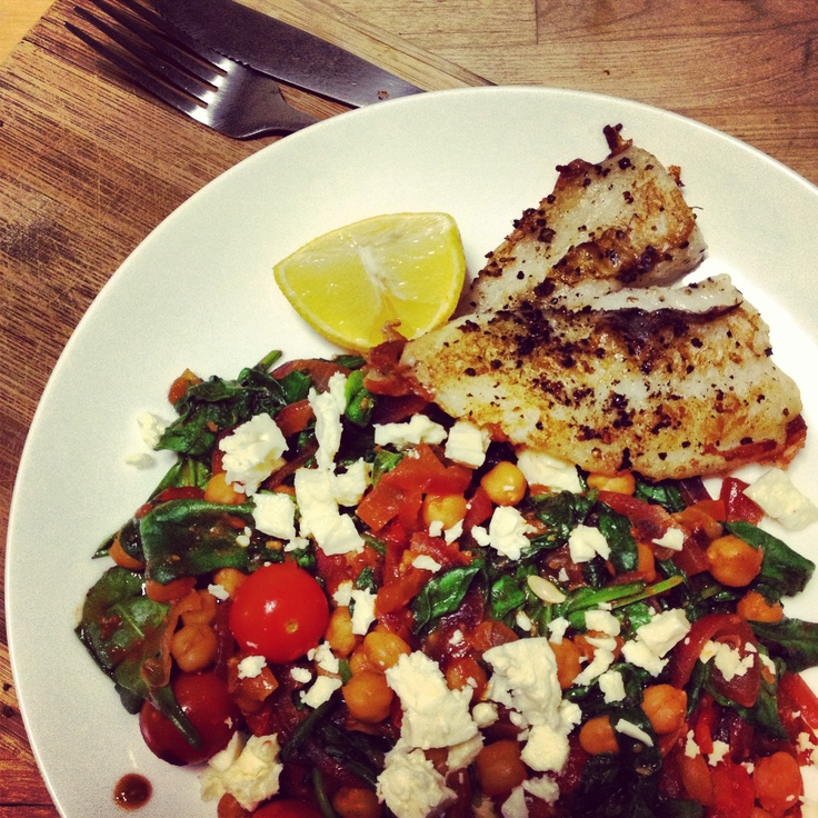 Michelle Bridges Spanish Chickpeas with Spinach, Tomatoes & Grilled Fish
