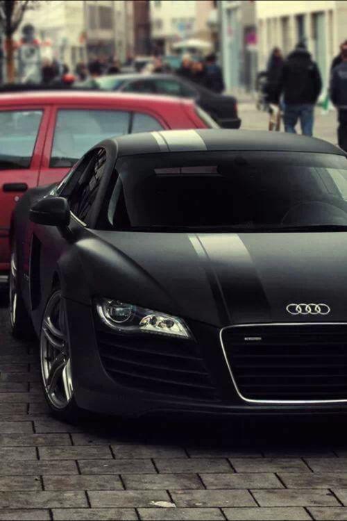 Matte Black Audi RS8