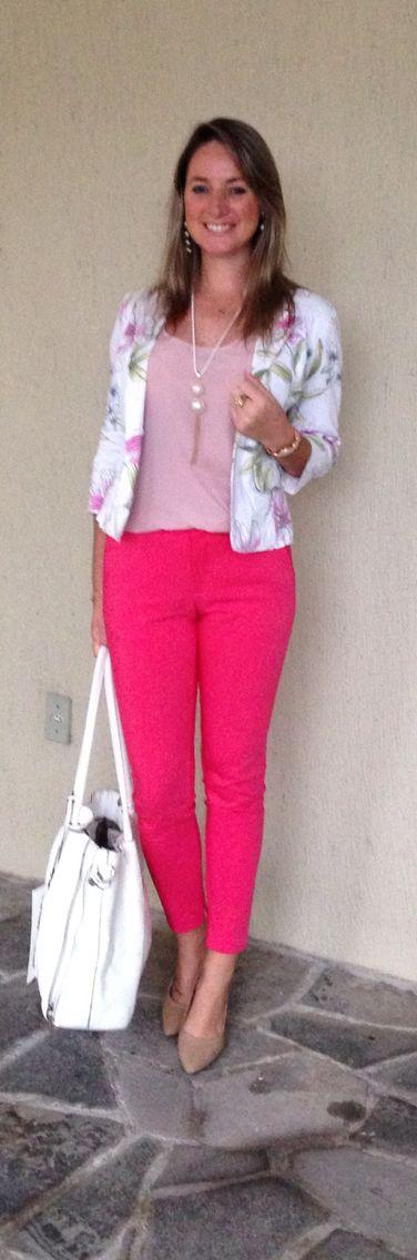 Look de trabalho - look do dia - calça rosa - blazer floral