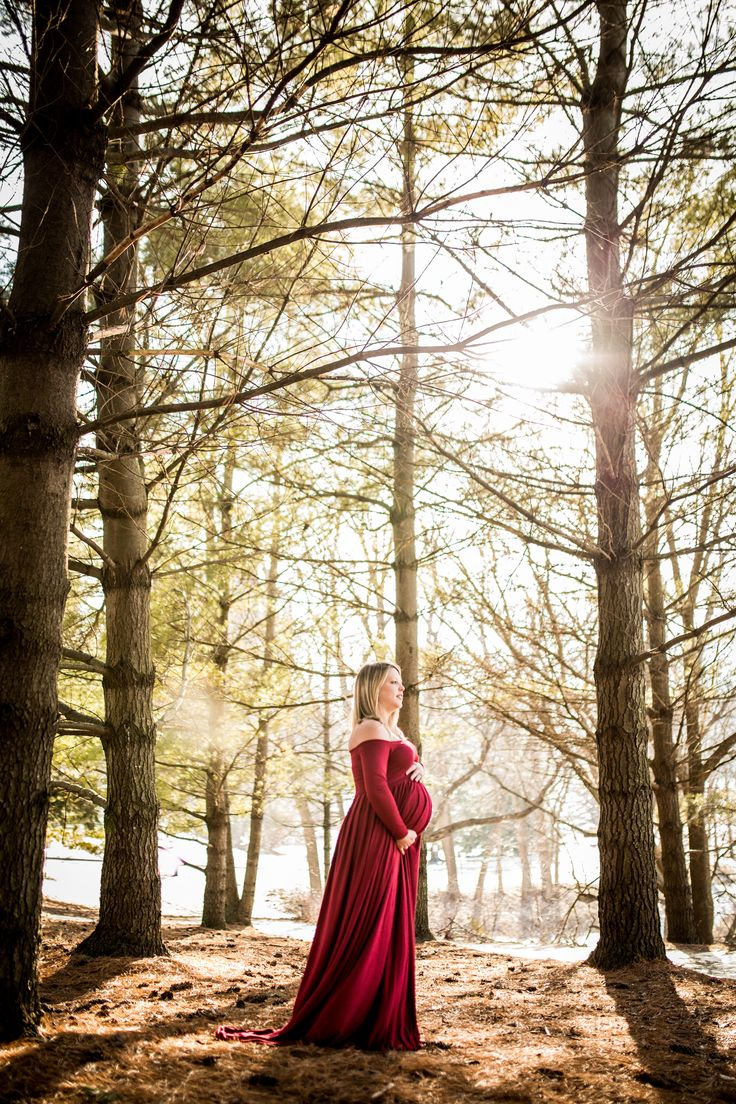 Winter, Fall maternity photography, what to wear for maternity photos, long red or burgandy maternity dress, Photography by Brittany, Decorah Iowa, Luther College, Forest Maternity Pictures