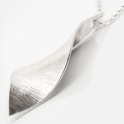 Bean Rí, Ladies Pendant, Sterling Silver. Martina Hamilton