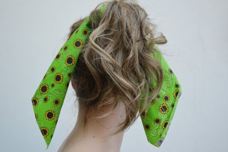 Glitz and Grammar blog post: 4 cute ways to wear your bandana. All tied up!