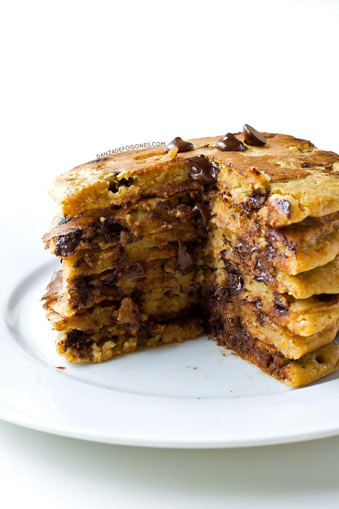 Estas tortitas de calabaza y chocolate son un éxito asegurado. Son más saludables y ligeras pero están igual de ricas, ¡o incluso más!