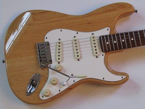 1998 Fender American Standard Ash Stratocaster Natural w
