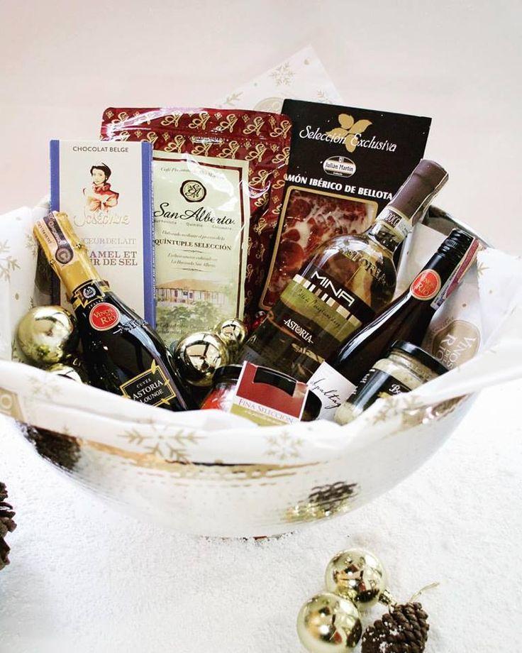 Se acerca navidad y.. ¿qué tal este regalo tan divino?  ¡Puedes armarlas como tú quieras! #vinosdelrio #naviwine #bebevino #seacercanavidad #regalos