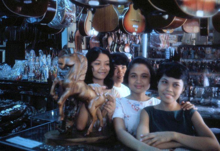 https://flic.kr/p/xTAx3v | Souvenir Shop in Olongapo. 1960s