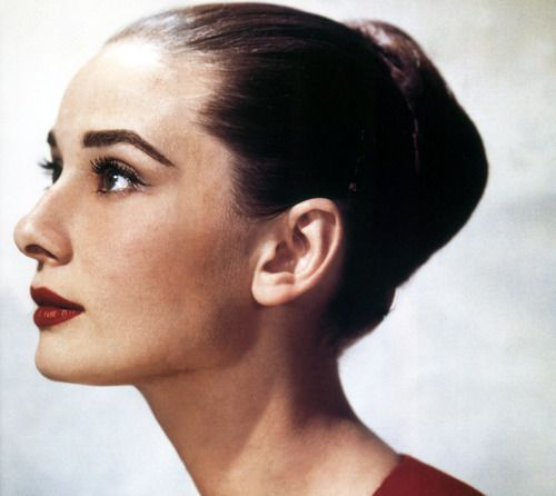 """I am proud to have been in a business that gives pleasure, creates beauty, and awakens our conscience, arouses compassion, and perhaps most importantly, gives millions a respite from our so violent world."" - Audrey Hepburn: Classic Beautiful, Full Brows, Audrey Hepburn, Audrey Kathleen, Red Lips, Audreyhepburn, Wallace Seawel, Hepburn Photographers, Audrey Profile"