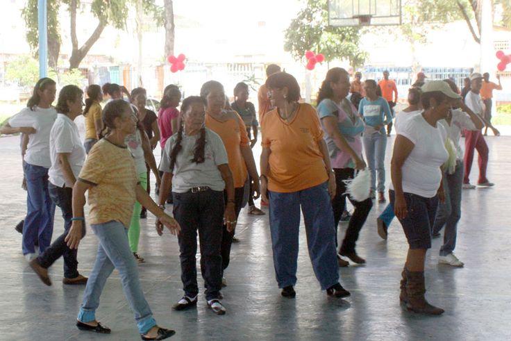 Los abuelos y abuelas del municipio Zamora celebraron el mes del Adulto Mayor, que se inició con una caminata desde las 7:00 de la mañana