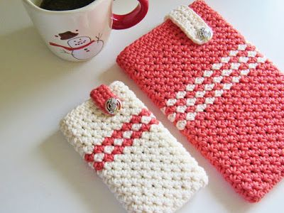 Mobile Device Cover - free phone/tablet cozy crochet pattern at CrochetDreamz.