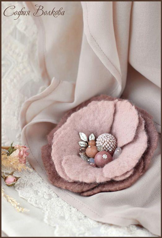 """Брошь """"Шиповник"""" - пепельно-розовый,роза,шиповник,нежность,брошь-цветок"""