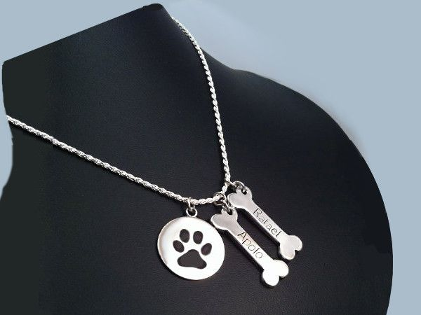 www.harmonia.cl #Colgante los #huesos de los perros, 3 cm, #grabado a #mano, #envejecido, #plata #Pendant #Dog #Bones #hand #engraved #