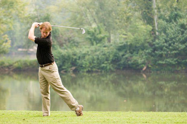 ¿Cuál es la diferencia entre un punto rojo y un punto negro en los palos de golf Ping Eye?