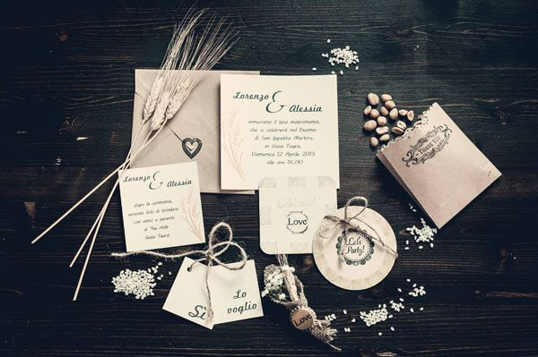 pub wedding invitation http://weddingwonderland.it/2015/06/matrimonio-al-pub.html