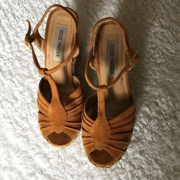 STEVE MADDEN WEDGE SANDALS ⚡️ Excellent condition STEVE MADDEN sandals. Orange suede with twine wedge heel. Steve Madden Shoes Wedges