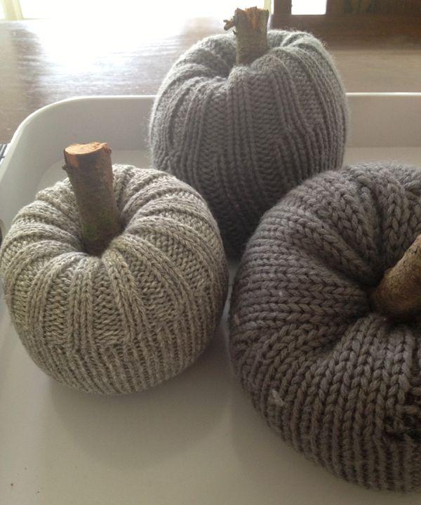 Alexandra Hedin Design: November Knit :: Knit Pumpkin