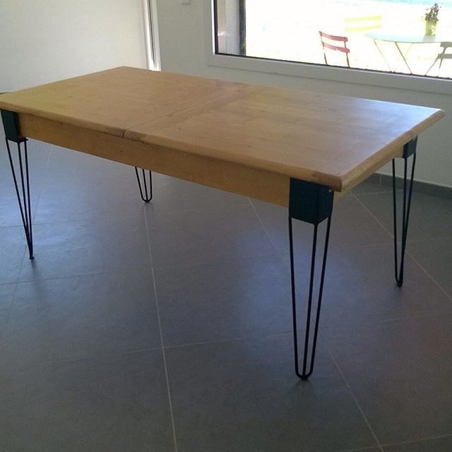 Une jolie table avec nos #hairpinlegs #diy #piedsdetable