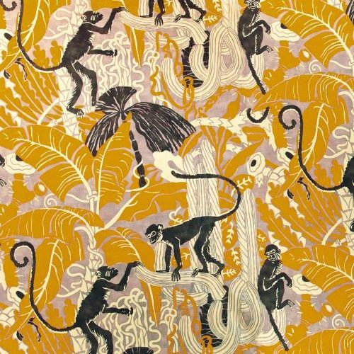 <p>«Capucin» est un velours de coton à poils ras, dont la technique d'impression numérique a permis d'obtenir cette grande vivacité de couleurs: des associations franches de mordoré, de parme et de prune, de jade et d'orange brûlée, de gris de maure et de bleu saphir. Le motif de ce petit singe a été élaboré sur […]</p>