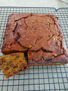 Simple home cook: Pumpkin fruit cake - perfect for Christmas!