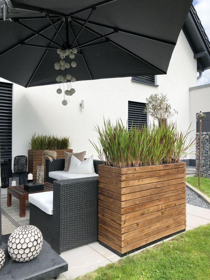 Wooden Planter On Terrace Terrasse Und Balkon Mit Pflanzkubeln