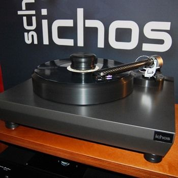 The Wand Tonearm Mounted on an Ichos Turntable with Ortofon Cadenza cartridge at the Wien (Vienna) Show November 2016.
