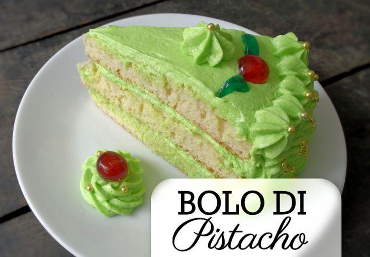 De bolo di pistacho is een echte feesttaart. Hij ziet er met zijn groene kleur…
