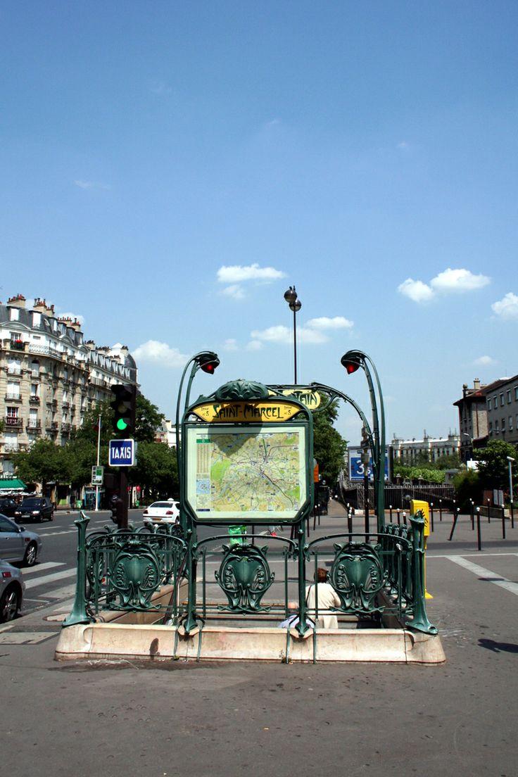 Paris, Métropolitain, Entrée de la station Saint-Marcel 4, arch. Hector Guimard