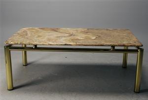 Soffbord, stenskiva, 1900-talets senare del Denna vara har satts till omförsäljning under nytt varunummer3067869