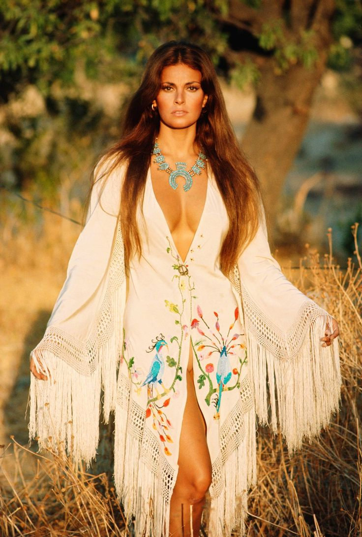 Raquel Welch,  Beauty naturally -  before there was Latisse, hair extensions and liposuction.