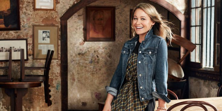 Christine Taylor Shows Off Easy, Breezy Spring Styles
