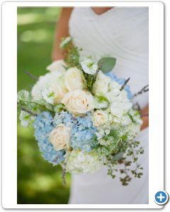 bruidsboeket-wit-blauwe-hortensia