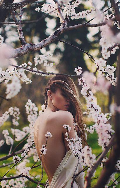 Des femmes et des fleurs