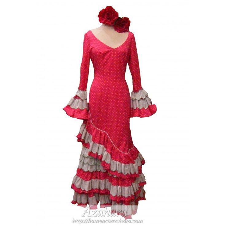 #Traje #flamenca para #mujer con fondo en rosa y lunares celestes. #Canastero, disponible en nuestra #zonaoutlet. #Fuengirola