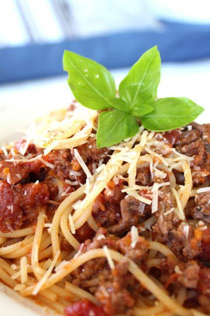 Best Spaghetti Bolognese Recipe | Desire Empire