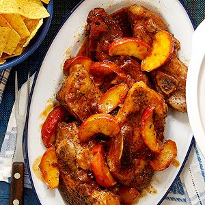 Old-fashioned cooking apples such as Rome, MacIntosh, Northern Spy, or Jonathan taste perfect with these country-style ribs. Tart eating apples, such as Gripps Pink and Granny Smith, make the ribs delicious, too.
