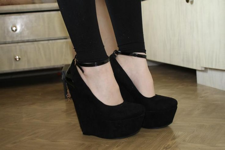 Туфли черные на платформе